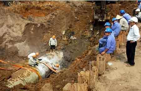 Vinaconex phải chịu trách nhiệm việc vỡ ống nước sông Đà
